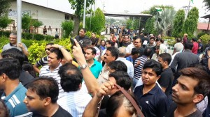 Jaypee Homebuyers Protest, Jaypee homebuyers, Options for Jaypee homebuyers, Legal remedies for Jaypee homebuyers, Homebuyers victim of Jaypee, Delhi NCR property market fraud, India real estate news, Real estate news India, Indian property market, Track2Media Research, Track2Realty